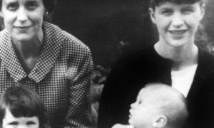 Sylvia Plath with her mother and her two children, Devon 1962